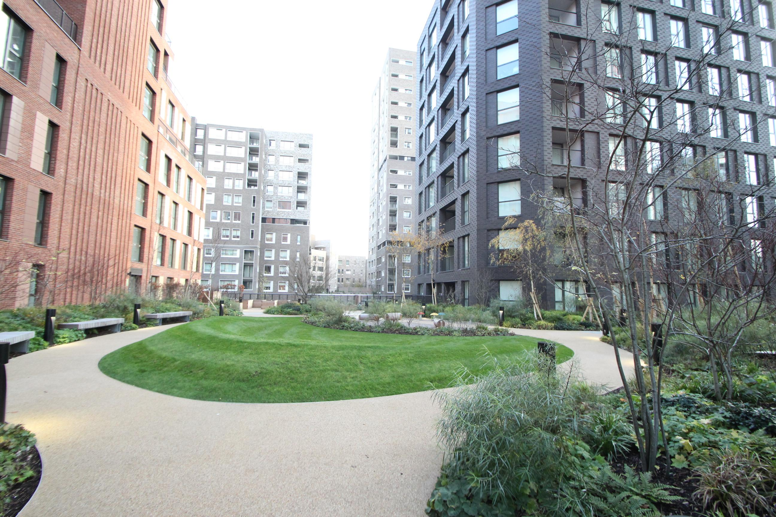 Hurlock Heights SE17